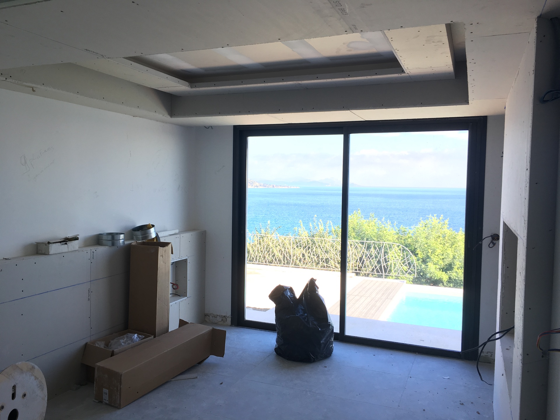 renovation villa pointe des sardinaux var10