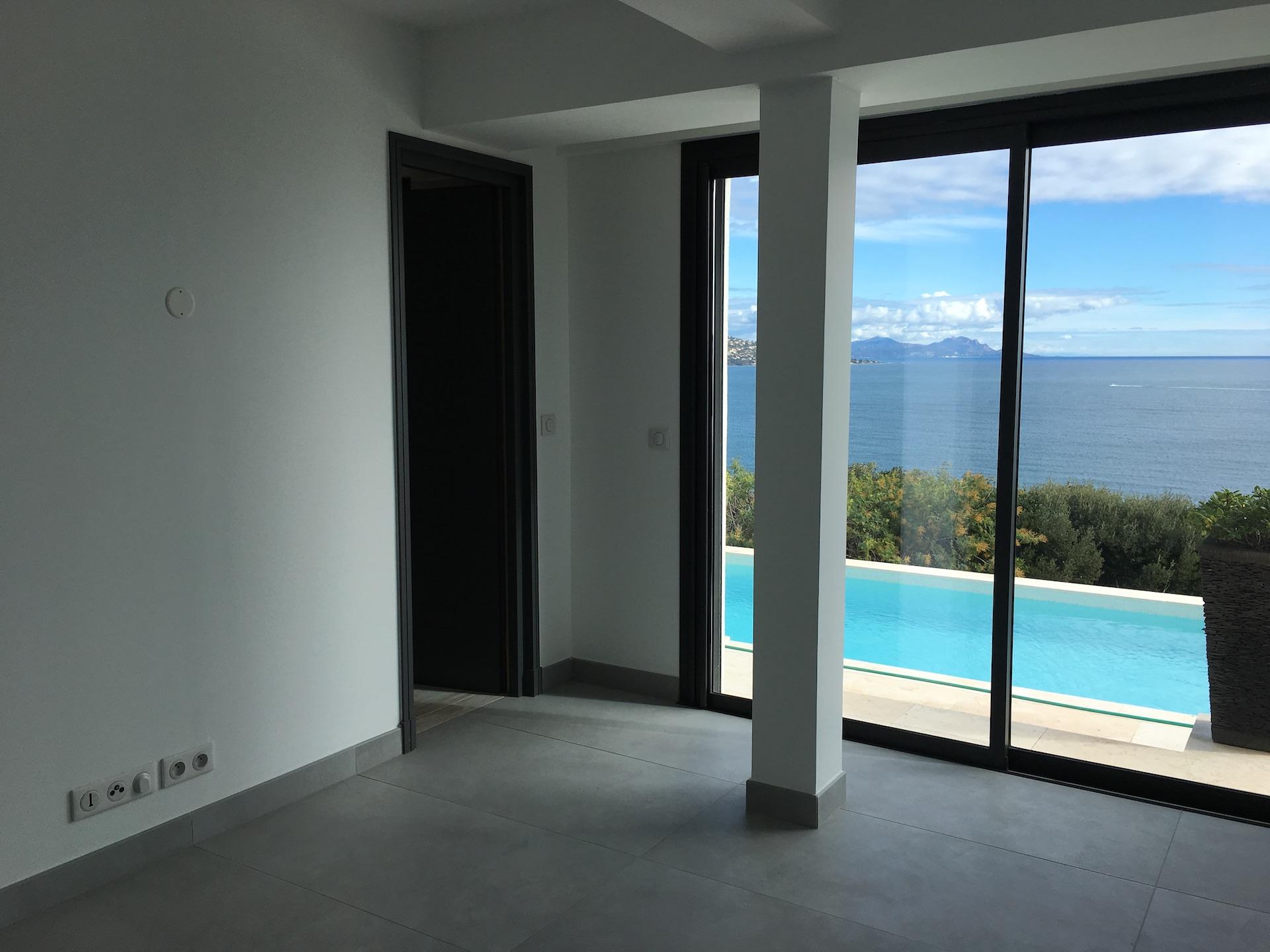 renovation villa pointe des sardinaux var21