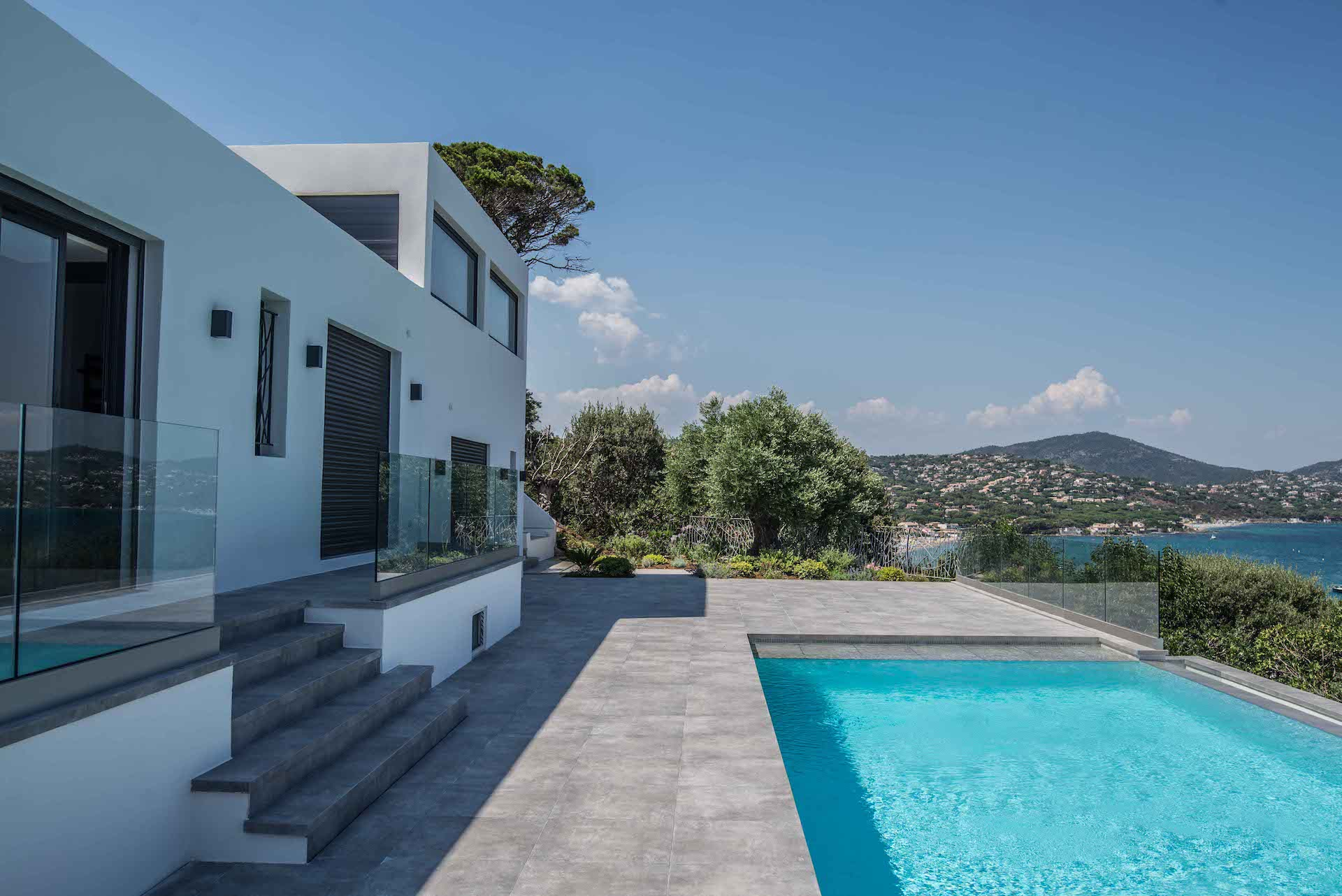 renovation villa pointe des sardinaux var